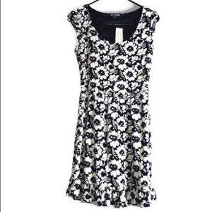 Bebop Floral Black and White Short Sleeve Dress